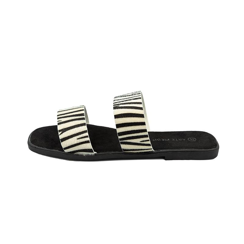 Arte Piedi Padofla Flat Product Image buy it by Dalis Boutique